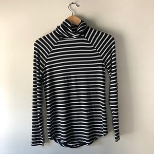 Old Navy Black & White Striped Turtleneck